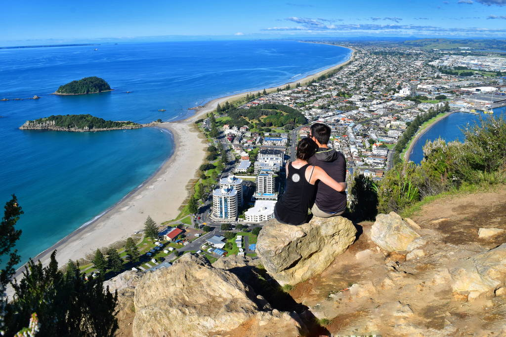 Mt-Maunganui-Summit-New-Zealand_optimized